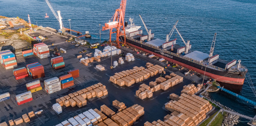 DP World inks 50-year terminal lease agreement with BC's Nanaimo Port