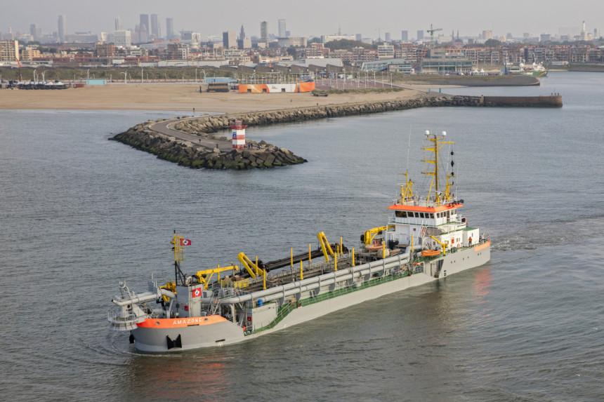 Baggerbedrijf De Boer secures maintenance dredging work at Scheveningen port