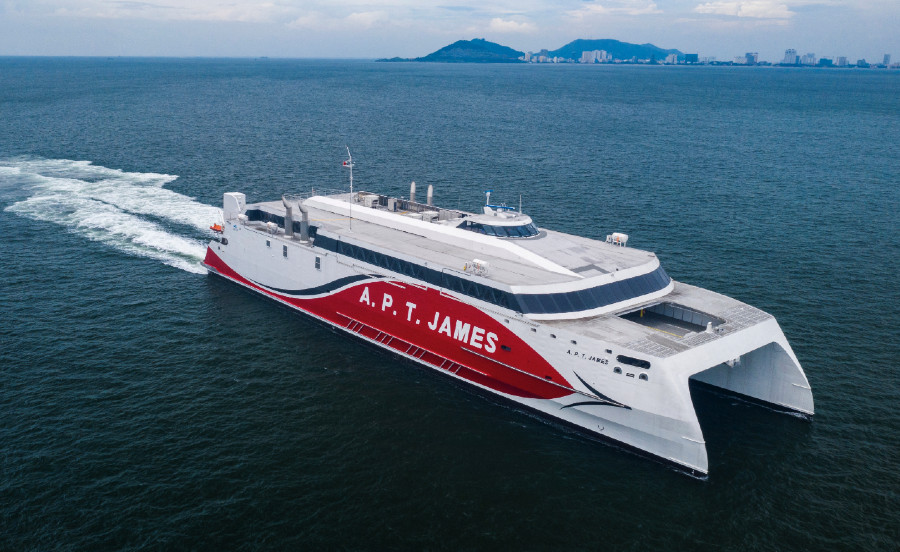 VESSEL REVIEW   A.P.T. James – Large-capacity fast ferry for Trinidad and Tobago operator