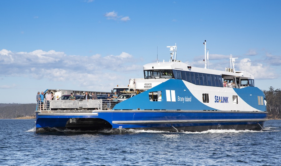 VESSEL REVIEW | Nairana – All-aluminium, compact Ro-Pax ferry for busy island route