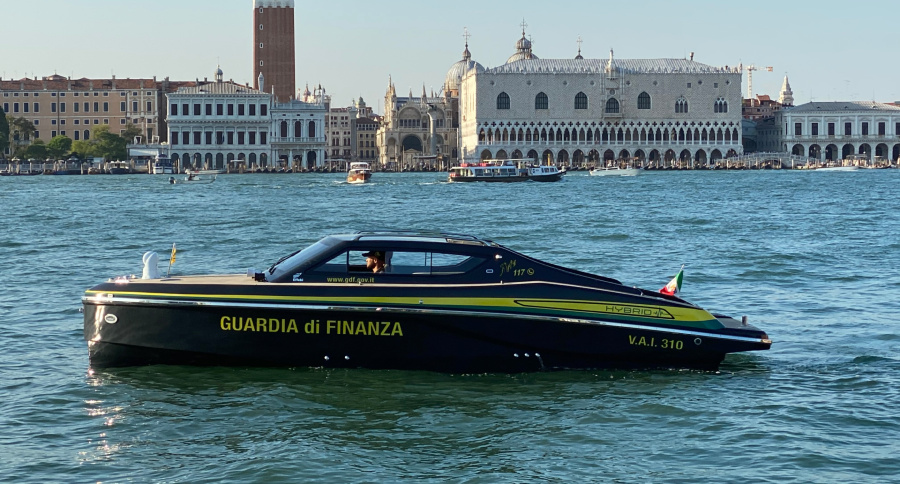VESSEL REVIEW | VAI 310 – Hybrid patrol and surveillance boat for operation in Venice's canals