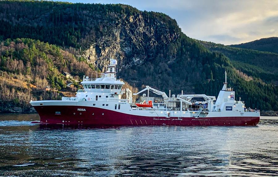 VESSEL REVIEW | Reisa – Norske Fisketransport's low-emission, high-capacity salmon wellboat