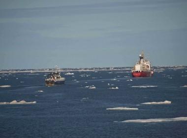 Image: Petty Officer 2nd Class Nate Littlejohn/US Coast Guard