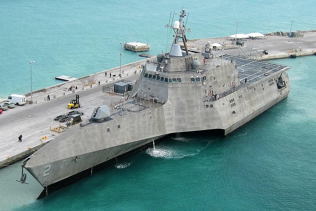 Image: US Navy photo by Petty Officer 2nd Class Nicholas Kontodiakos