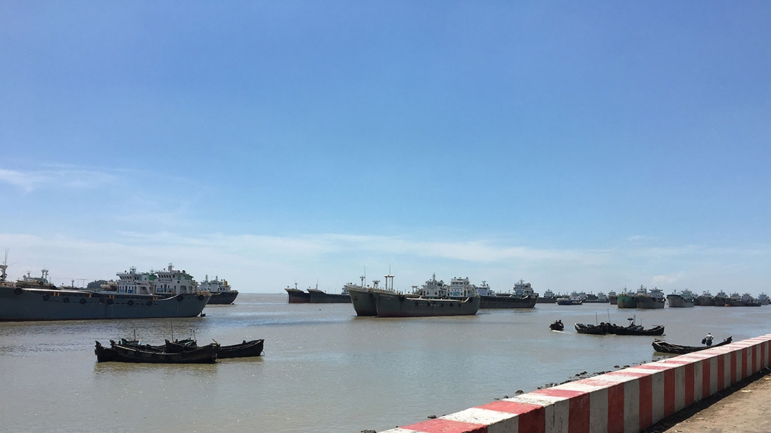 The proposed Sitakunda Port will be in the Sandwip Channel, downstream from the Feni-Mirasarai River.