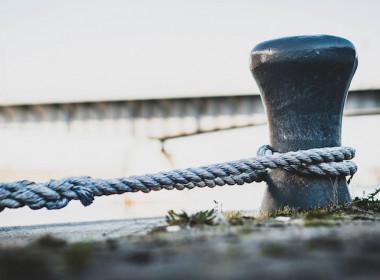 ship bollard mooring line rope