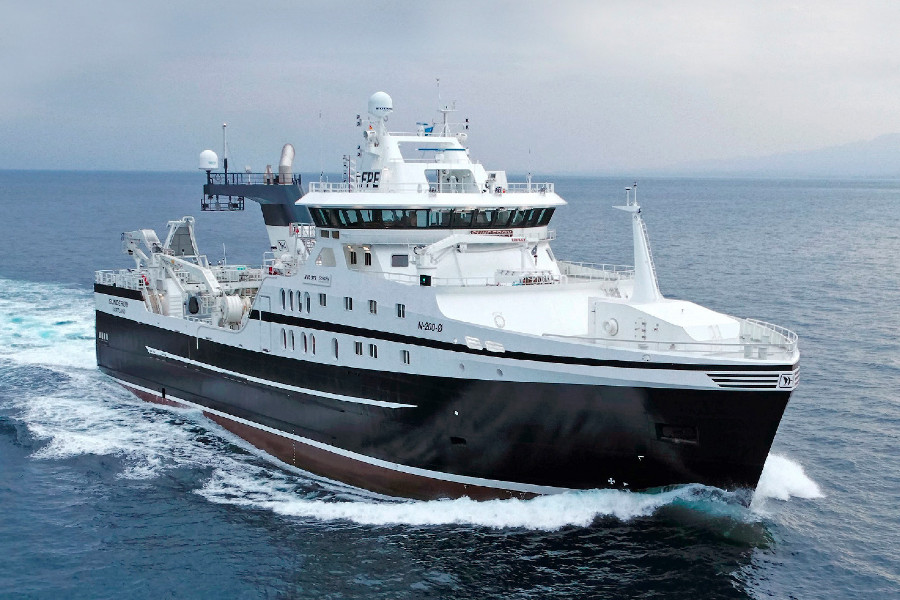 VESSEL REVIEW | Sunderøy – Prestfjord's newest vessel takes on extreme fishing conditions off northern Norway